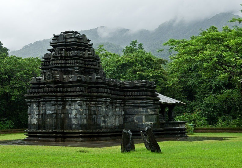 Mahadeva-Temple-TambadiSurla