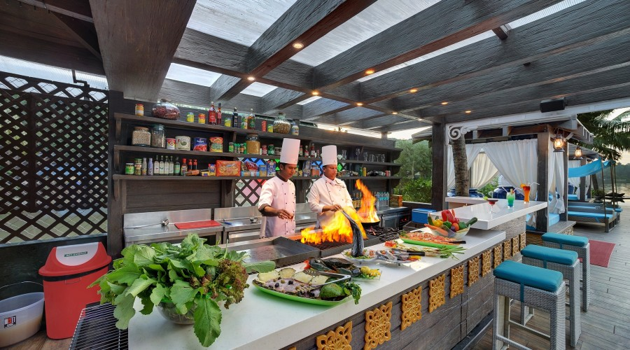 bar-grill-mayfair-goa