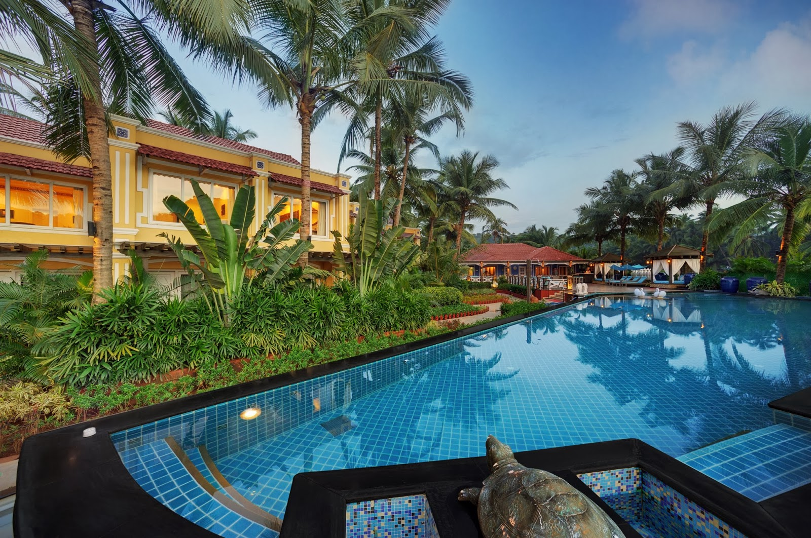 MAYFAIR Hideaway Spa Resort Pool