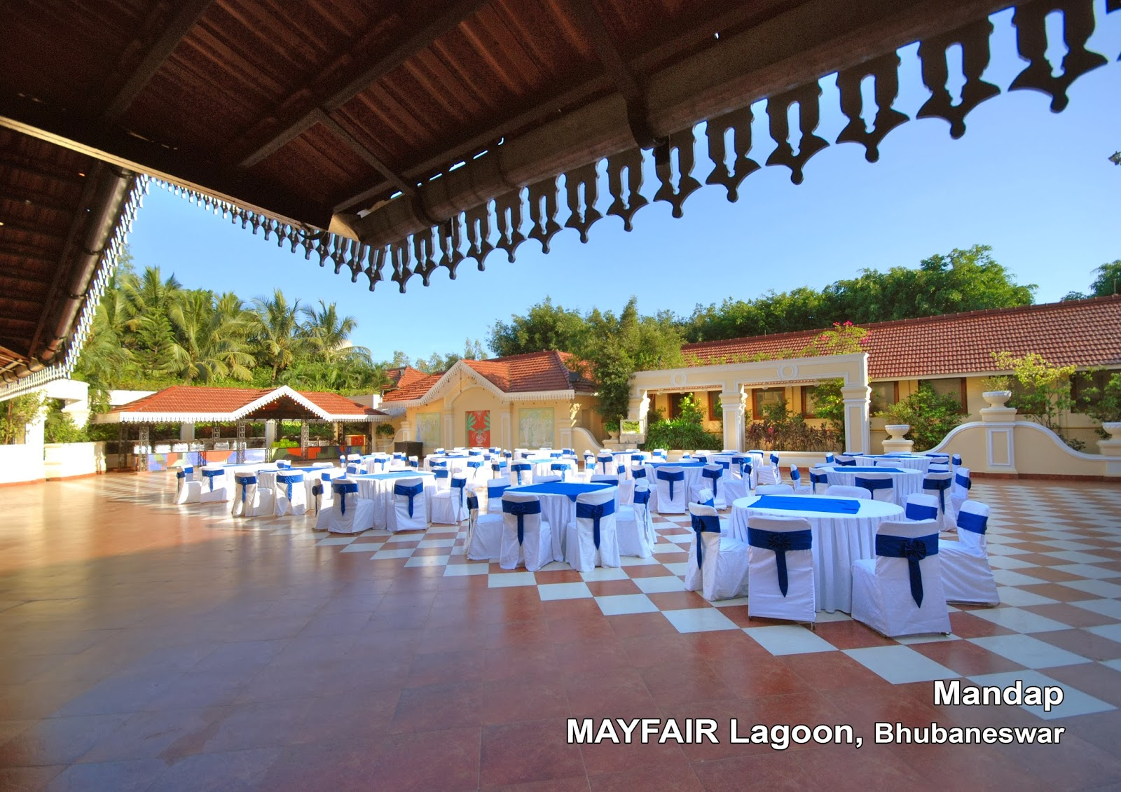 MAYFAIR Lagoon Mandap